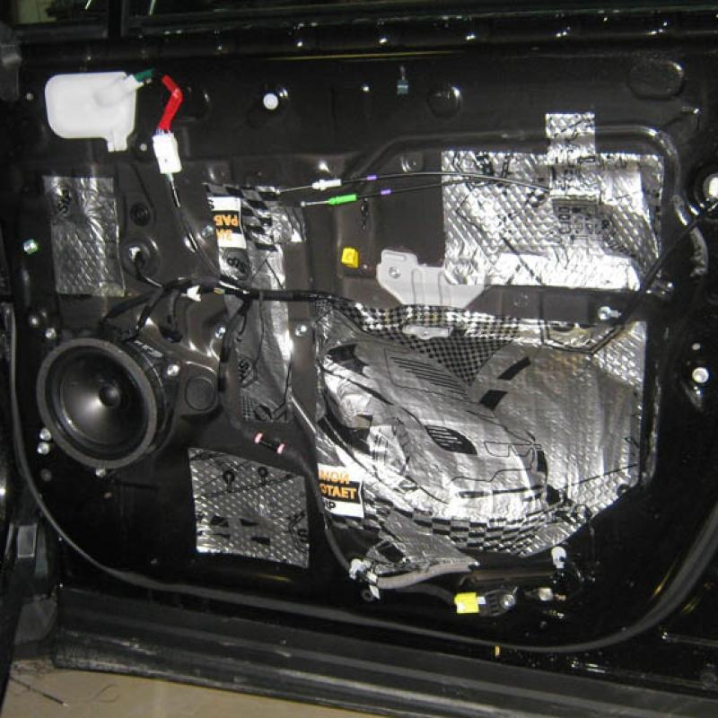 Ford Explorer 2012 - защита от угона, шумоизоляция, ксенон